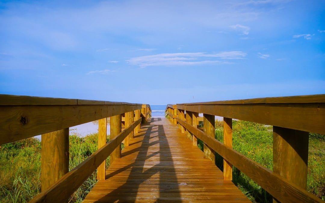 "alt=""boardwalk access to the beach"""